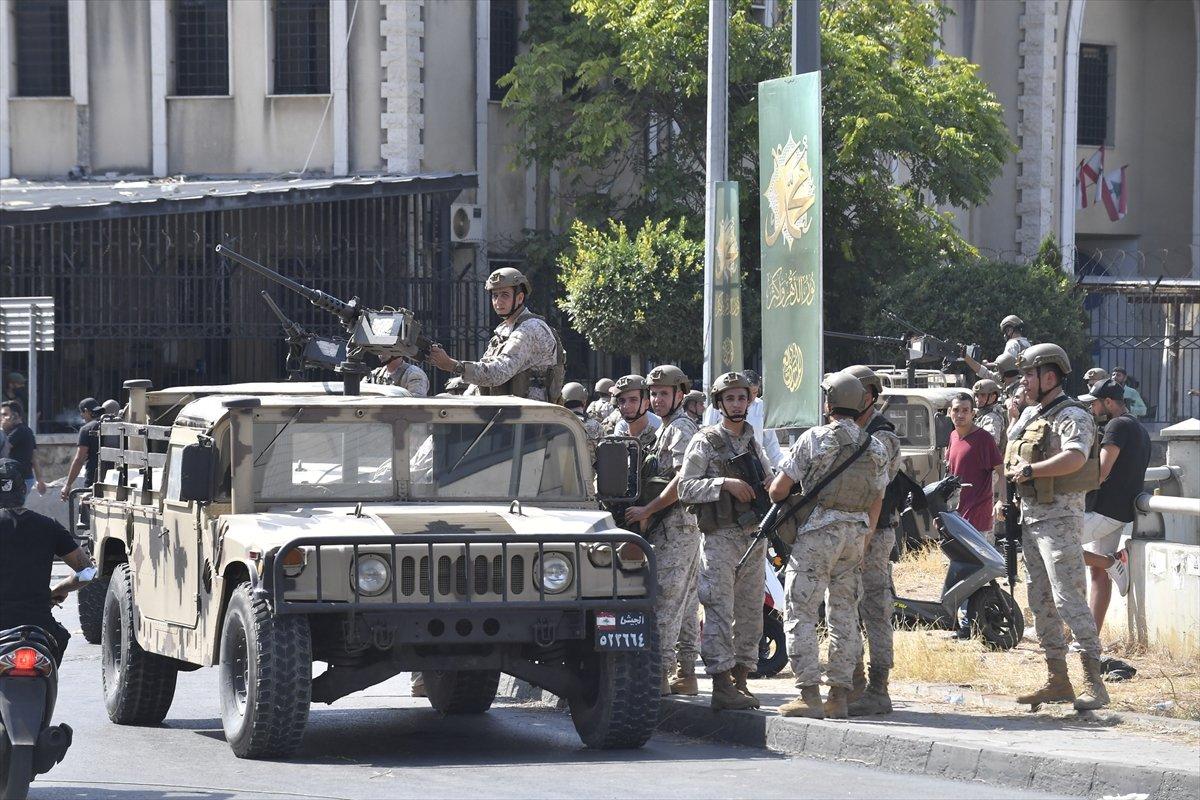 Beyrut taki patlama soruşturması protesto edilince sokaklar karıştı #15