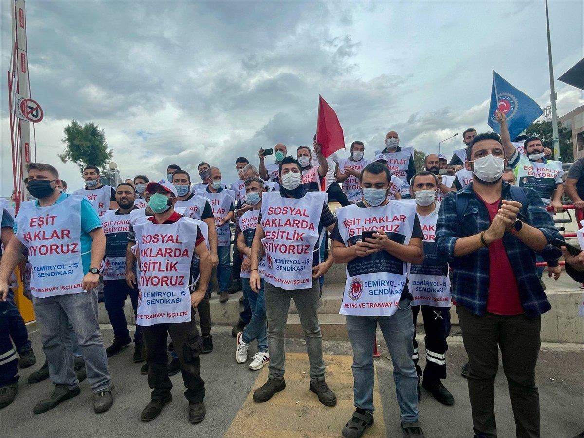 İzmir de metro ve tramvay çalışanları greve gidiyor #1