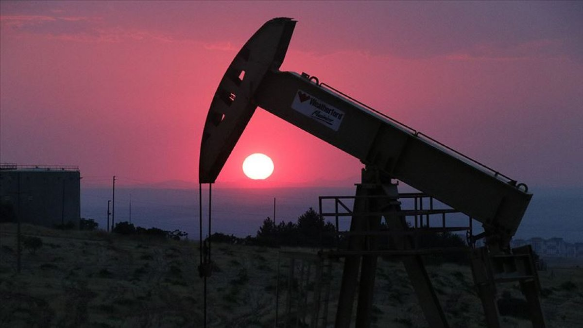 IEA küresel petrol talebindeki artış öngörüsünü artırdı #1