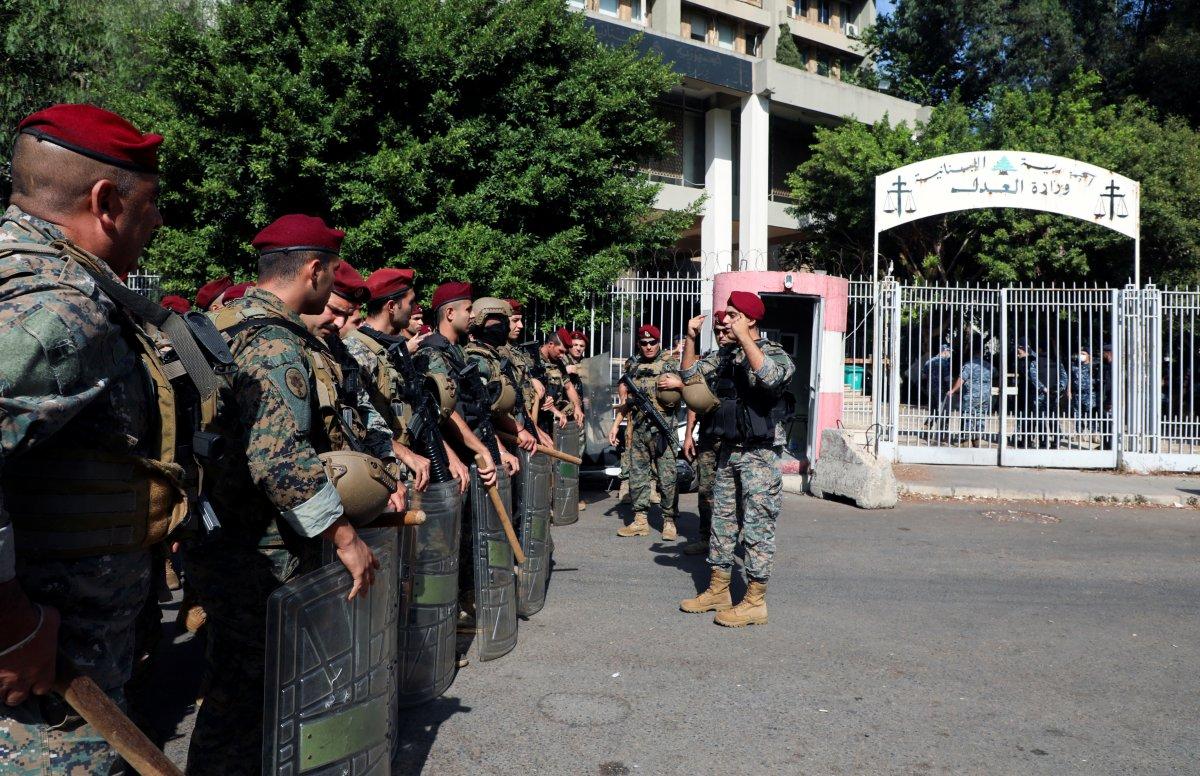 Beyrut taki patlama soruşturması protesto edilince sokaklar karıştı #3