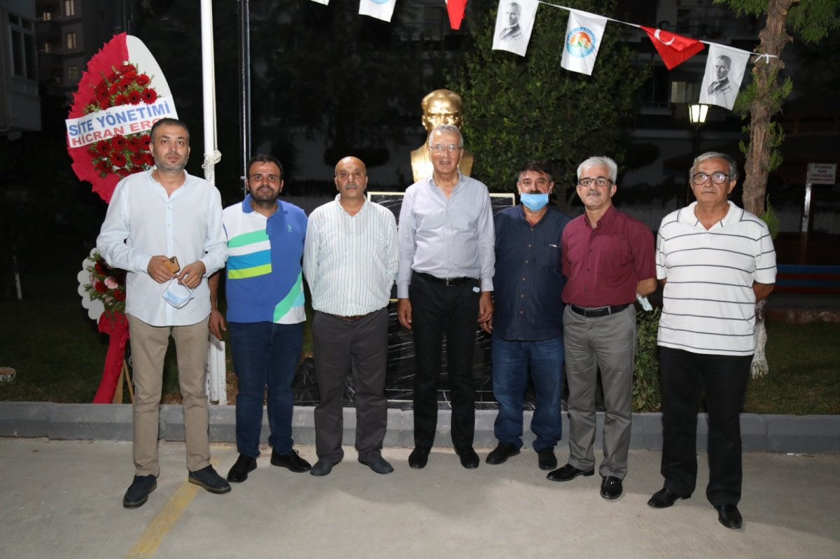 CHP li Mezitli Belediyesi nden heykel açılışı #1