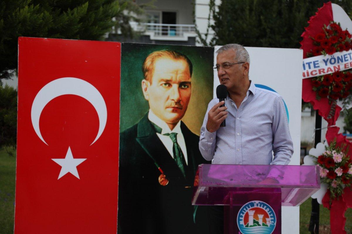 CHP li Mezitli Belediyesi nden heykel açılışı #3