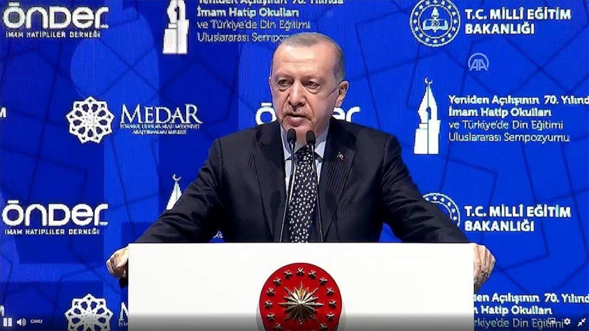 Cumhurbaşkanı Erdoğan,  İmam Hatip Okulları Sempozyumu na katıldı #1