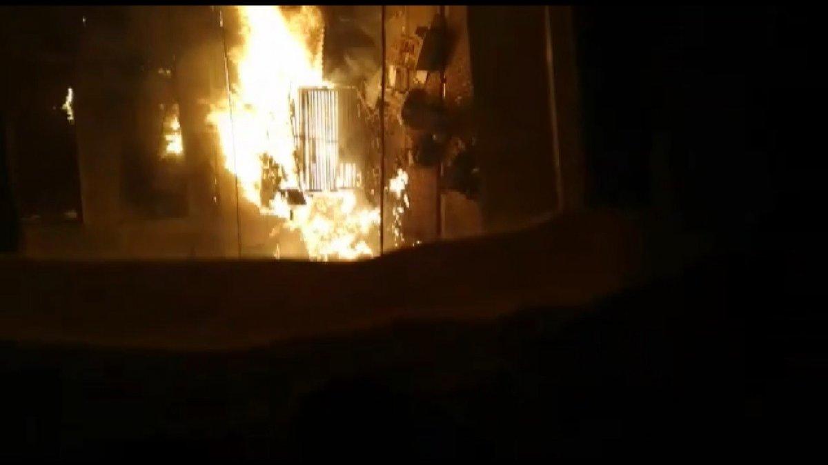 İstanbul da bir binadaki doğalgaz hattında patlama meydana geldi #4