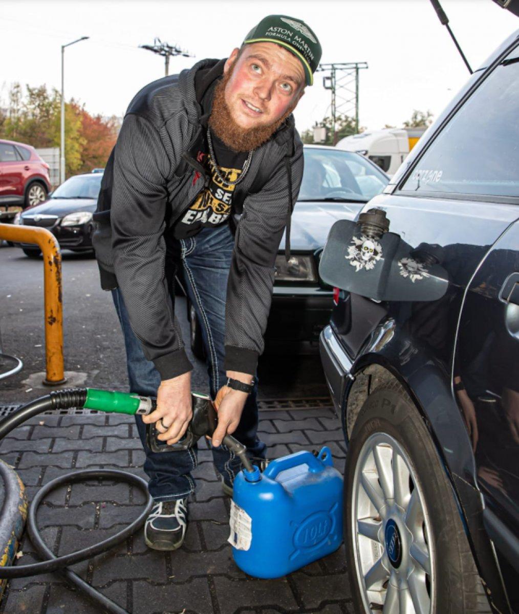 Almanlar depolarını Çekya da ucuz benzinle dolduruyor #2