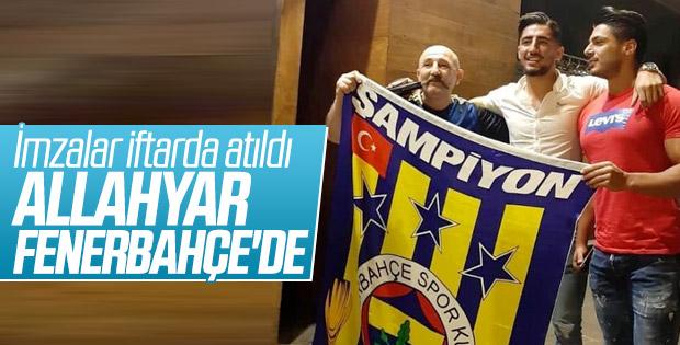 Allahyar, Fenerbahçe'ye imzayı attı