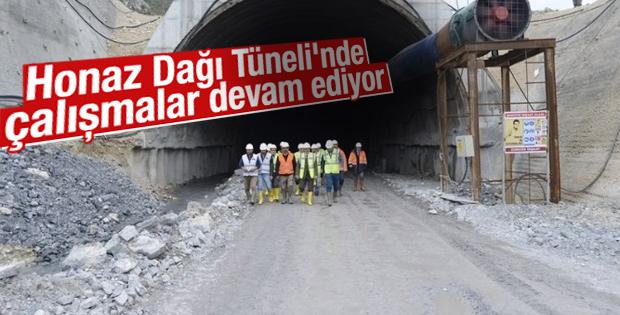 Honaz Dağı Tüneli'nde çalışmalar devam ediyor