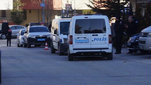 CHP'li Adnan Keskin'in koruması trafikte havaya ateş açtı