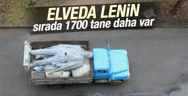 Ukrayna Lenin heykellerini tek tek yıkıyor İZLE