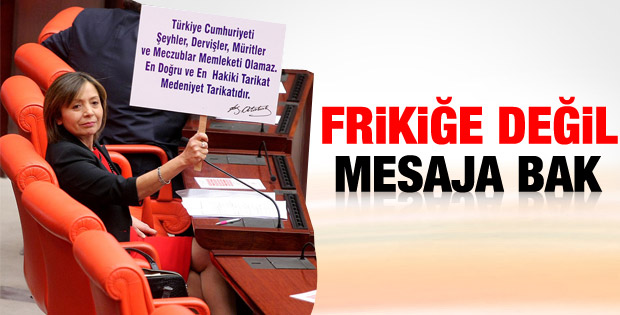 CHP'li kadın vekil Ak Partili Yakut'u böyle protesto etti