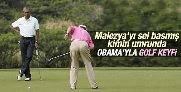 Malezya'da sel felaketi sonrası ülkenin başbakanı golf oynadı