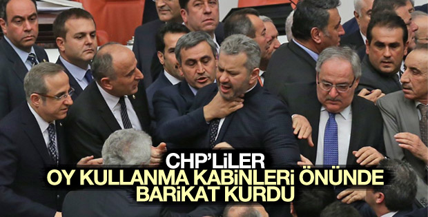 Meclis'te kavga çıktı