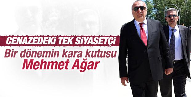 Mehmet Ağar Kenan Evren'in cenazesine katıldı