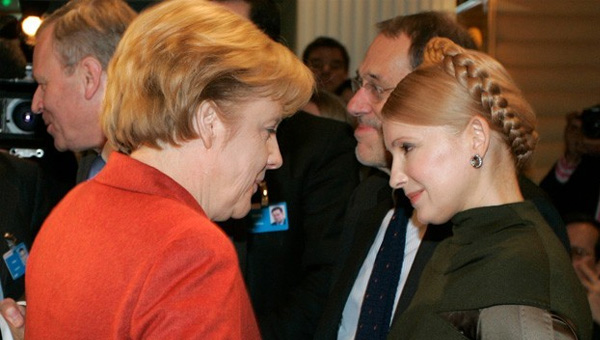 Merkel muhalif lider Timoşenko'yu Almanya'ya davet etti