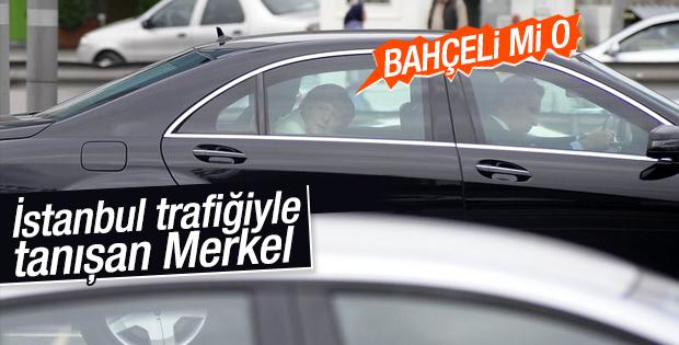 Merkel İstanbul'da trafiğe takıldı