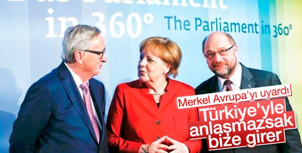 Merkel'den AB'ye Türkiye uyarısı
