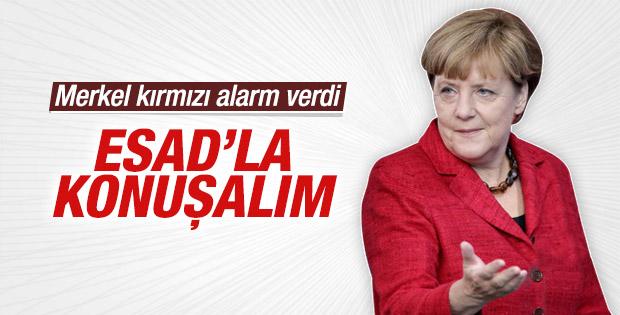Merkel: Suriye'de savaşın sona ermesi için Esad'la görüşülmeli