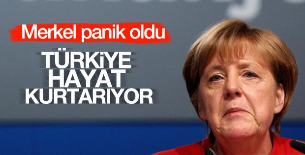 Merkel'den Türkiye-AB anlaşmasına övgü