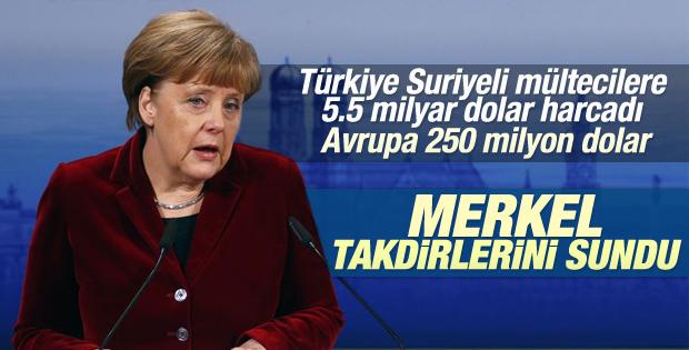 Merkel Suriyeliler için Türkiye'yi takdir etti