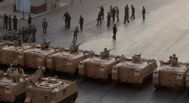 Rusya'dan Mısır'a 2 milyar dolarlık silah satışı