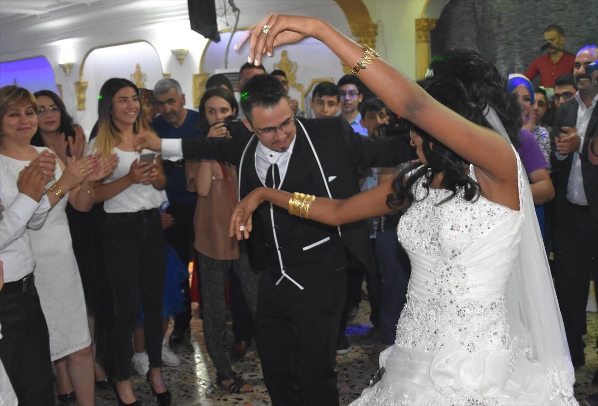 Nika güzel bir Müslüman düğün töreni