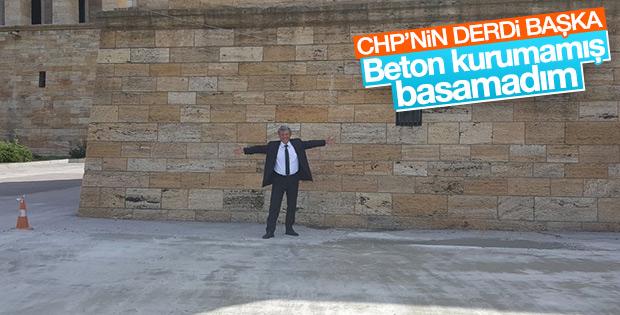 CHP'li Mustafa Balbay Anıtkabir'in betonunu inceledi