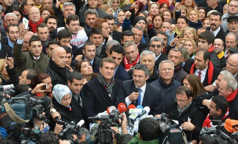 Mustafa Sarıgül'den Taksim'de Yolsuzluk Mitingi