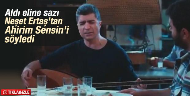 Özcan Deniz'den Neşet Ertaş türküsü İZLE