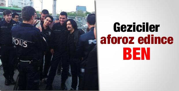 Okan Bayülgen Taksim'de polislerle poz verdi