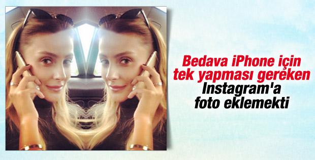 Özge Ulusoy'a Iphone 6 hediye edildi