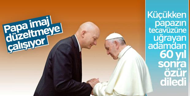 Papa, papaz mağdurundan özür diledi
