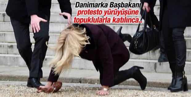 Danimarka Başbakanı Paris'te yere düştü