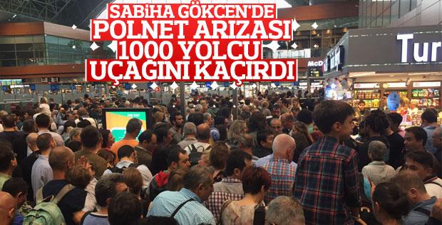 Sabiha Gökçen'de pasaport kontrolleri aksadı