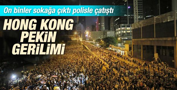 Hong Kong'da halk demokrasi için sokağa döküldü İZLE
