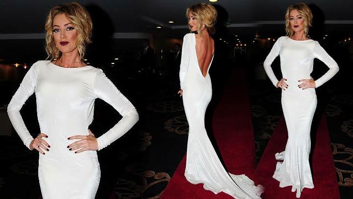 Petek Dinçöz beyaz elbisesiyle nefes kesti