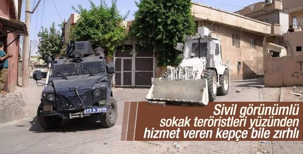 PKK'ya karşı zırhlı kepçeler kullanılmaya başlandı
