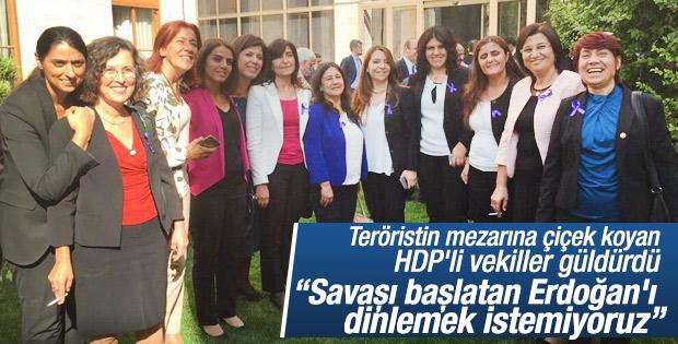 Meclis'i terk eden HDP'li kadın vekiller poz verdi