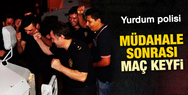 Adana'da polislerin müdahale sonrası maç keyfi