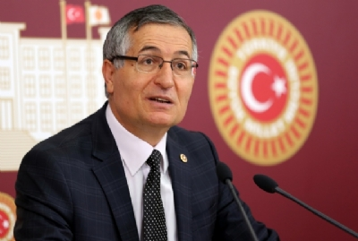 MHP'li vekilden AK Partili vekillere kitap önerisi
