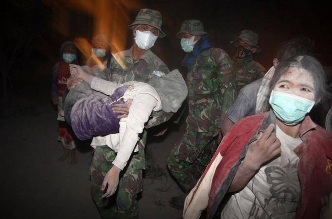 Endonezya'da  Kleud Yanardağı patladı