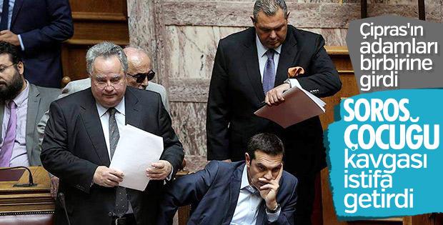 Yunanistan Dışişleri Bakanı Kocyas istifa etti