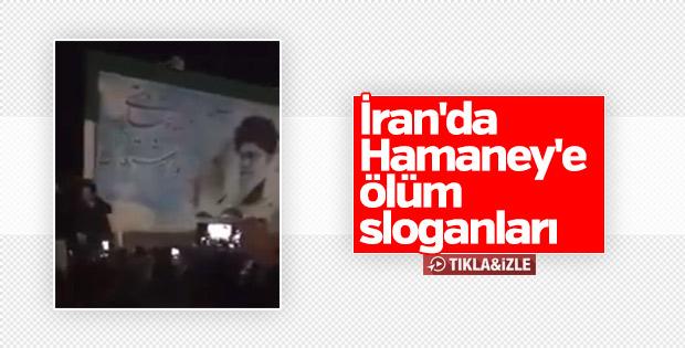 İran'da Hamaney posterleri parçalanıyor