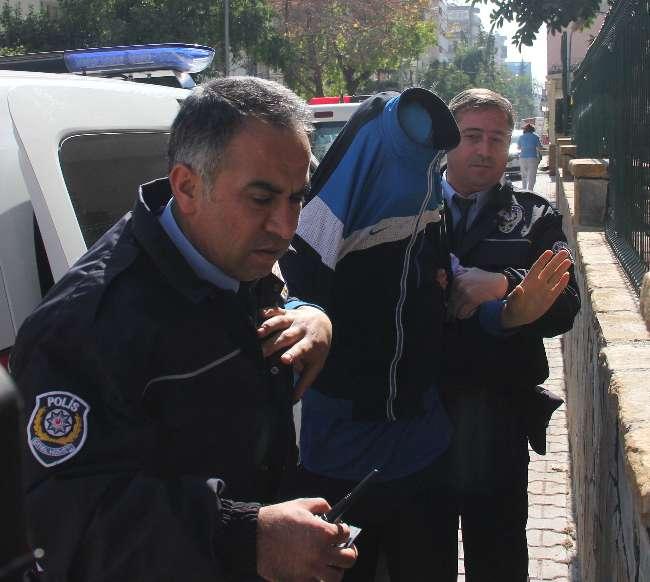 Adana'da yastık kılıfı hırsızlığı