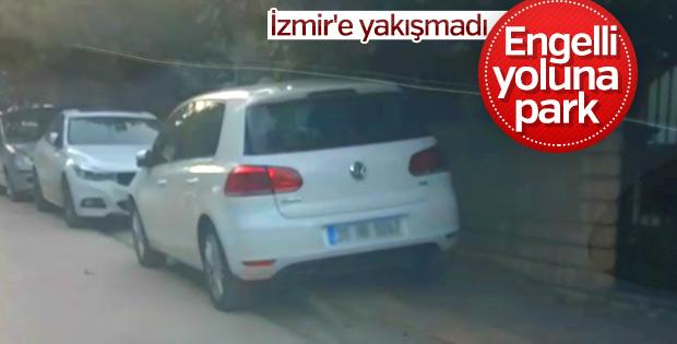 Engelli yoluna park eden İzmirliler