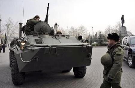 Rus tankları Kırım'da