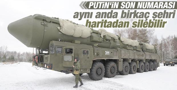 Rusya'da dubalarla taşınan dev füzeler