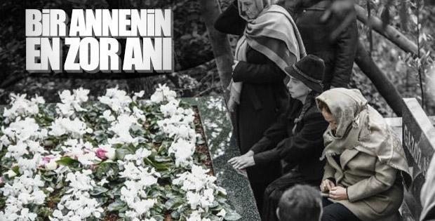 Berna Yılmaz oğlunun mezarı başında dua etti