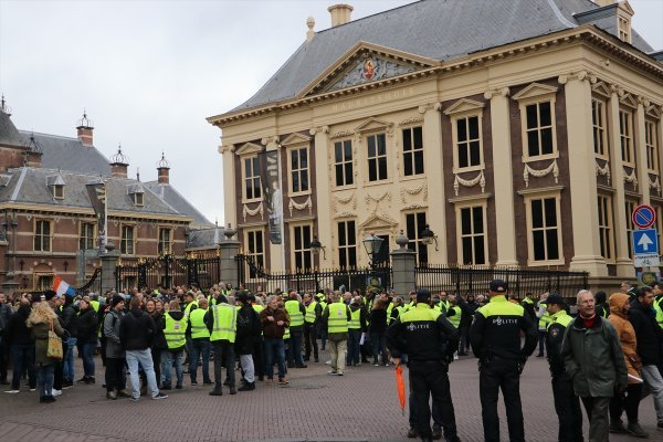 Yellow Vest movement spread to the Netherlands