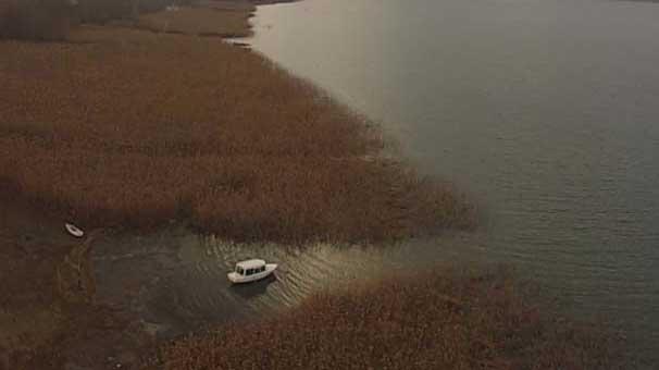 Sapanca Gölü'nde sular 70-80 metre çekildi