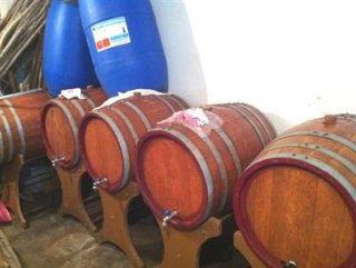 Ezine'de kaçak şarap üretimi yapıldı iddiası